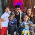 Patricia Abravanel e o marido, Fabio Faria, são pais de Pedro (6 anos), Jane (de 2) e Senor (de 1)