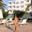 Simaria tem apostado em looks de moda praia poderosos na viagem