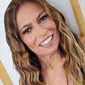 Mãe de Anitta surge produzida e cantora comemora: 'Para gravar clipe comigo'