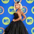 Anitta já confessou ter feito mais de 50 procedimentos estéticos para mudar a aparência