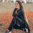 Mayra Cardi rebateu internauta que criticou foto em que aparecia nua
