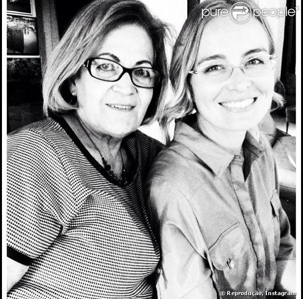 Angélica publica foto com a mãe, Angelina, em 5 de março de 2013