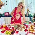 Karina Bacchi capricha na decoração de Natal e se diverte com filho, Enrico