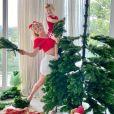 Karina Bacchi monta árvore de Natal com o filho, Enrico
