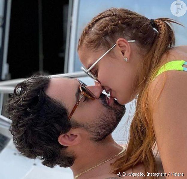 Maiara e Fernando trocam beijo em iate em Balneário Camboriu, em 2 de janeiro de 2021