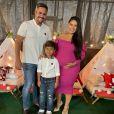 Simone Mendes e Kaká Diniz já  são pais de Henry, de 6 anos
