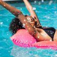 Divirta-se na piscina para fugir das altas temporaturas do verão