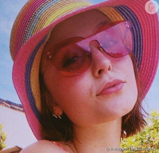 Larissa Manoela ganha elogios ao publicar foto de biquíni
