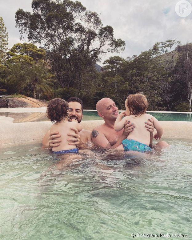 Paulo Gustavo e marido sofreram discriminação quando decidiram ter filhos