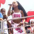 MC Rebeccase inspirou no figurino usado por Normani no clipe 'Motivation' para cantar em bloco de rua