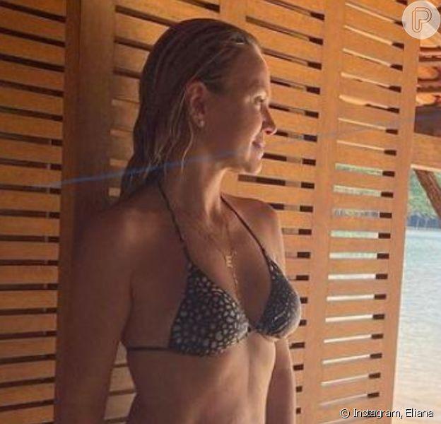 Eliana exibe barriga sarada em foto de biquíni sem filtro