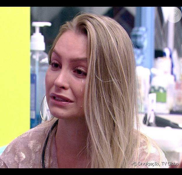 Carla Diaz revela a Pocah que Arthur propôs um 'tempo' na relação no 'BBB21'