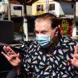 Silvio Santos mostrou bom-humor ao chegar para ser vacinado