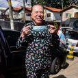 Silvio Santos foi vestido com um pijama