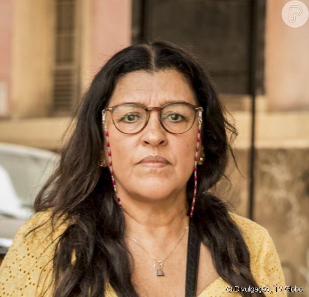 Na reta final da novela 'Amor de Mãe' Lurdes (Regina Casé) descobre ser mãe de Danilo (Chay Suede)