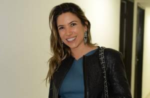 Patricia Abravanel exibe boa forma após gravidez durante show de Tiago Abravanel