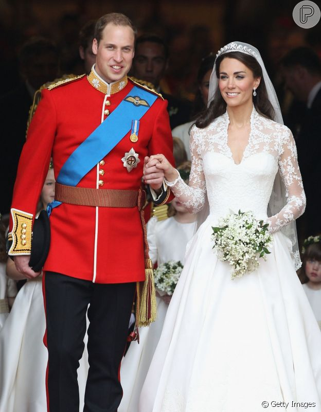 Buquê de noiva de Kate Middleton tinha flor que homenageava Príncipe William