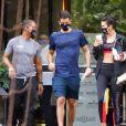 Namorados, Bruna Marquezine e Enzo Celulari saíram juntos de academia nesta sexta-feira (30)
