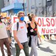 Diretor Claudio Amaral Peixoto comparece à manifestação cobrando vacina para todos