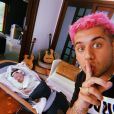 Zé Felipe brincou sobre filha bebê no Dia dos Namorados: 'Ciumenta'