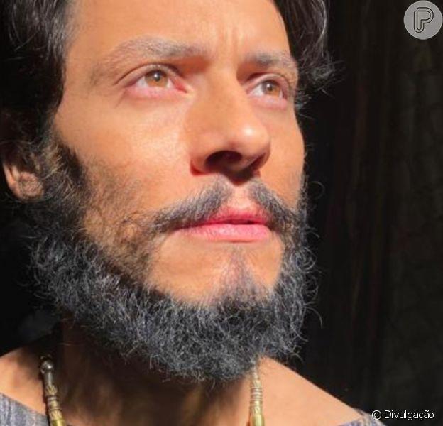 Cristiano Garcia na novela 'Gênesis' é o príncipe-virgem Nader: 'Avô (Abimeleque, Leonardo Franco) tem medo dele fugir como o pai, Omar (Marcello Airoldi)'