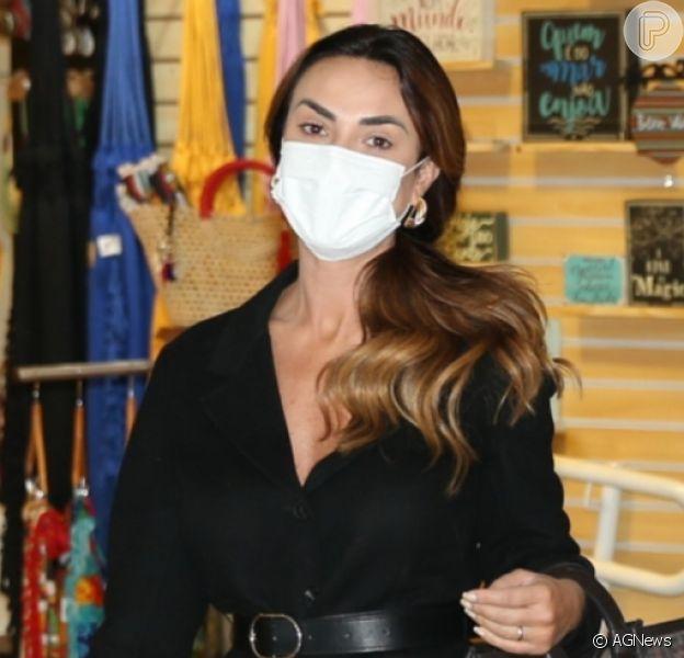 Nicole Bahls foi alertada por amigos em relação a Marcelo Bimbi, de quem se separou por suposta traição, diz a coluna 'Retratos da Vida', do jornal 'Extra' em 30 de julho de 2021