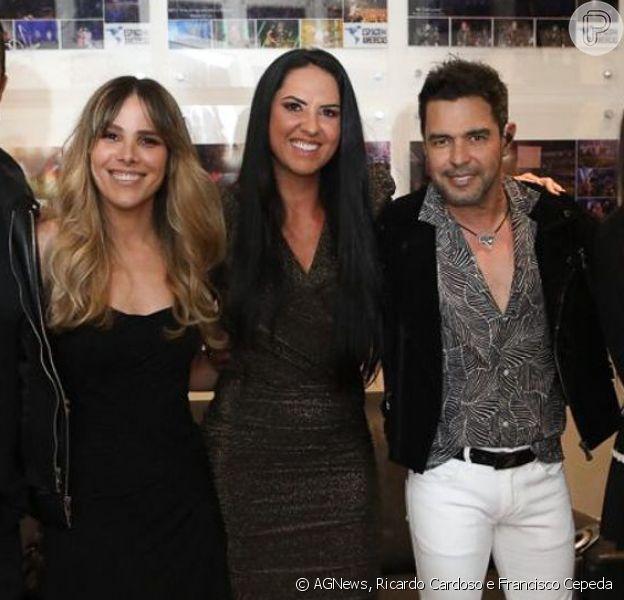 Zezé Di Camargo reuniu a família nos bastidores do show que fez com Luciano, em SP