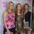 Grazi Massafera posa com Marina Ruy Barbosa e Nicky Hilton, irmã de Paris Hilton, em evento