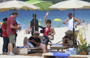 'Salve Jorge': Atores se divertem em gravação na praia do Recreio, no Rio