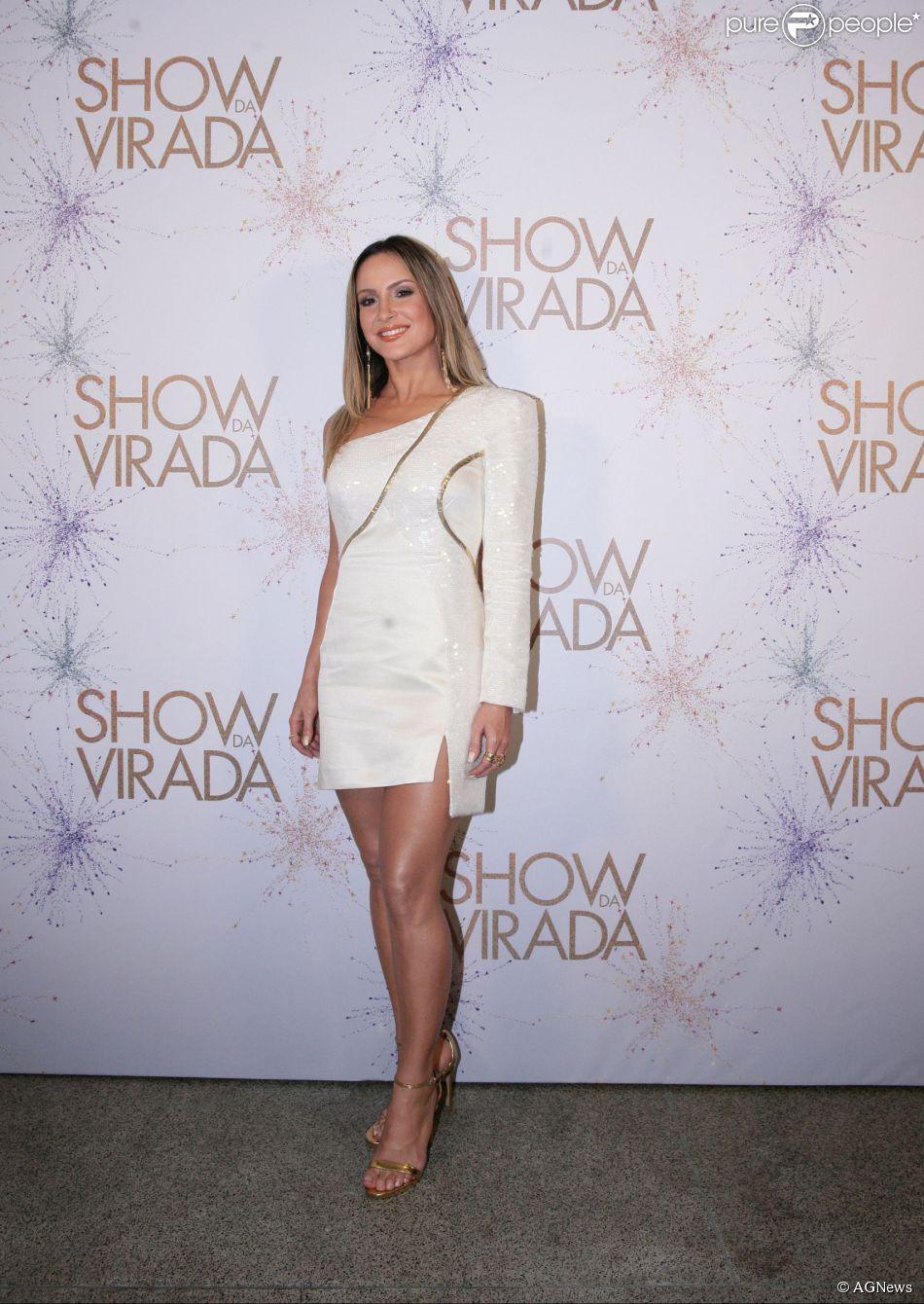 Claudia Leitte Vai Com Vestido Da Grife Tufi Duek Para A