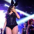 Anitta inicia a turnê especial em parceria com a festa 'Chá da Alice', no sábado, 29 de novembro de 2014, no Via Matarazzo, em São Paulo