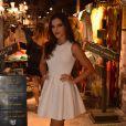 Mariana Rios escolhe vestido curtinho branco rodado para evento