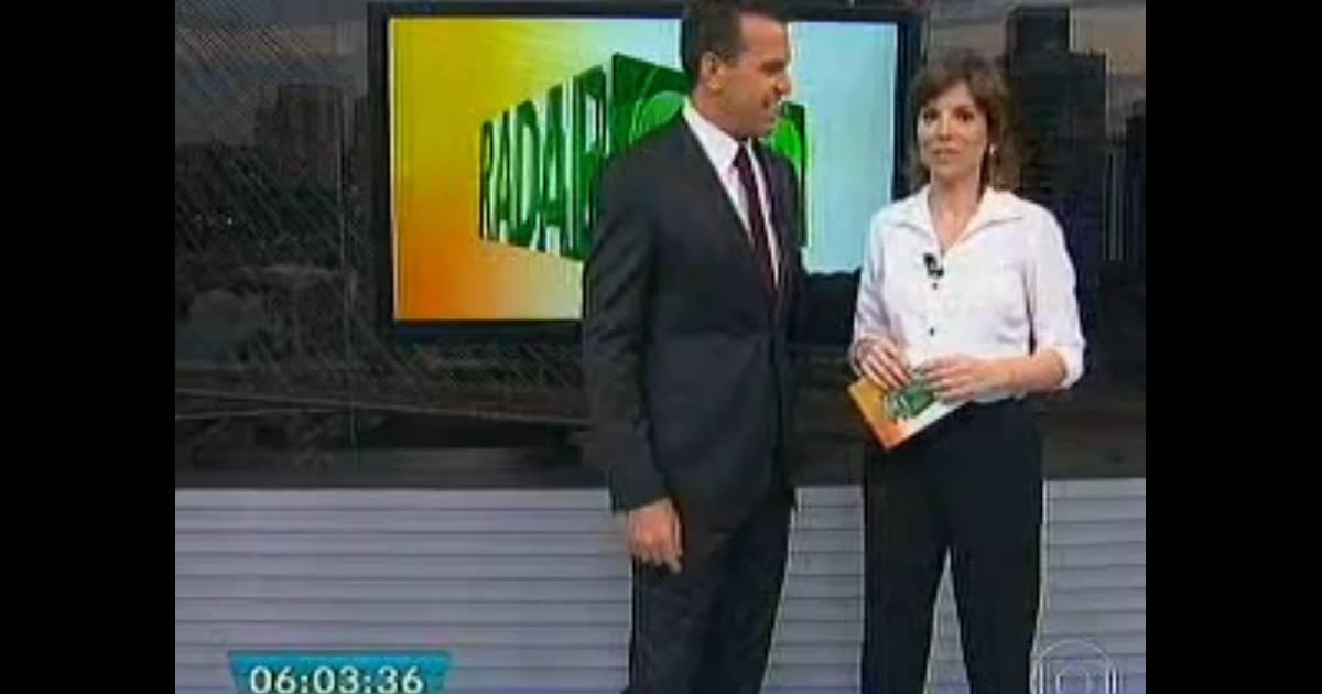 Rodrigo Bocardi Brinca Com Glória Vanique Após Microfone