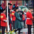 Kate Middleton, grávida do primeiro filho, ainda exibe barriga discreta