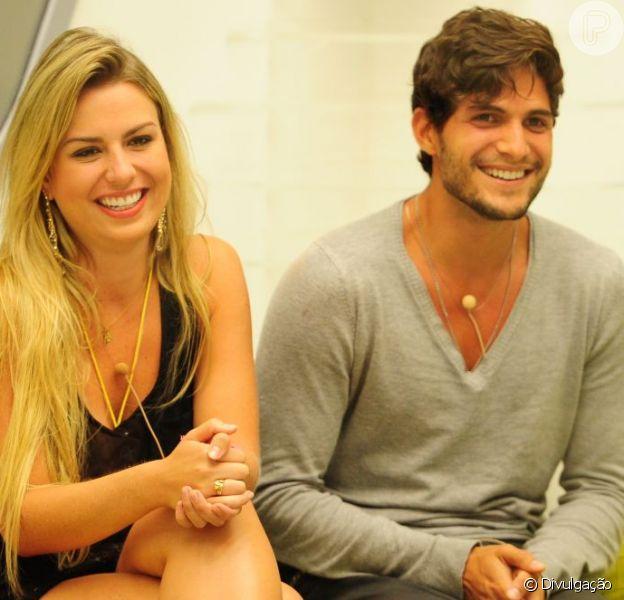 Fernanda e André estão no Paredão desta terça-feira , dezenove de março de 2013. O 'príncipe' e a 'princesa' vão se separar na noite de hoje