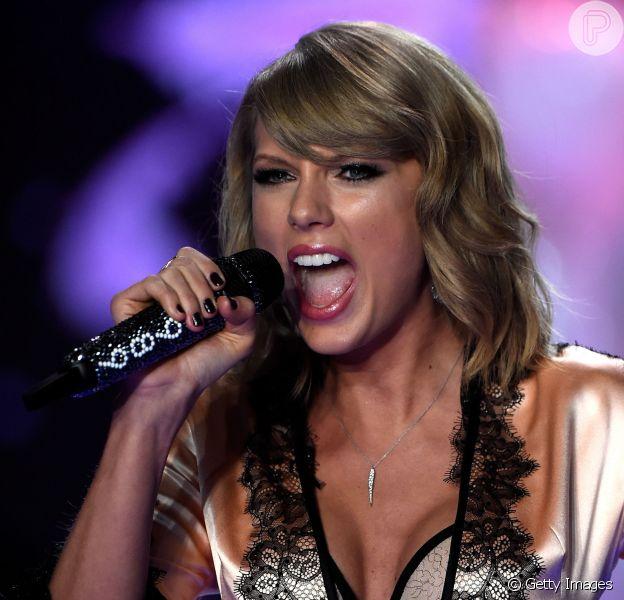 Taylor Swift sobre bebidas alcoólicas: 'Eu bebo! As pessoas se assustam', disse ela em entrevista divulgada nesta quarta-feira, 10 de dezembro de 2014
