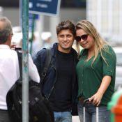 Daniel Rocha completa 22 anos e posa para fotos com fãs