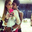 Sophia Abrahão e Micael Borges trocam carinhos e publicam foto juntos