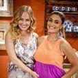 Juliana Paes posa com Angélica nos bastidores do programa 'Estrelas', que será exibido na TV Glovo em 23 de março de 2013