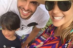 Kaká e Carol Celico aparecem sorridentes com os filhos após reconciliação