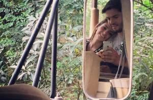 Kaká posta foto em clima de romance com Carol Celico, após reconciliação