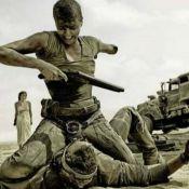 Charlize Theron aparece sem braço em foto do filme 'Mad Max: Estrada da Fúria'