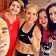 A apresentadora Angélica mantém a forma com treinos de muay thai