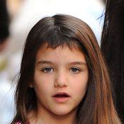 Filha de Katie Holmes, Suri Cruise, adota franjinha; veja fotos da menina