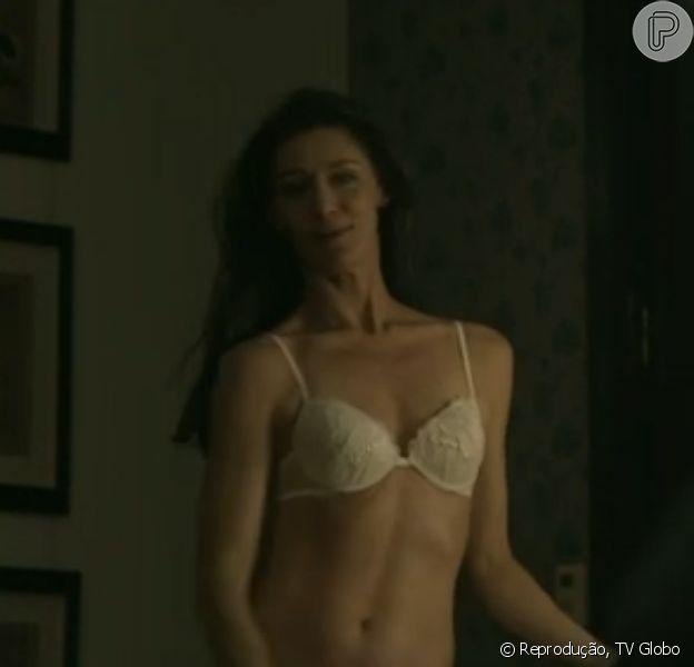 Maria Fernanda Cândido estreia em 'Felizes Para Sempre?' com cenas de lingerie e é elogiada por internautas, em 26 de janeiro de 2014