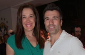 Claudia Raia prestigia Fernanda Paes Leme no teatro com o namorado