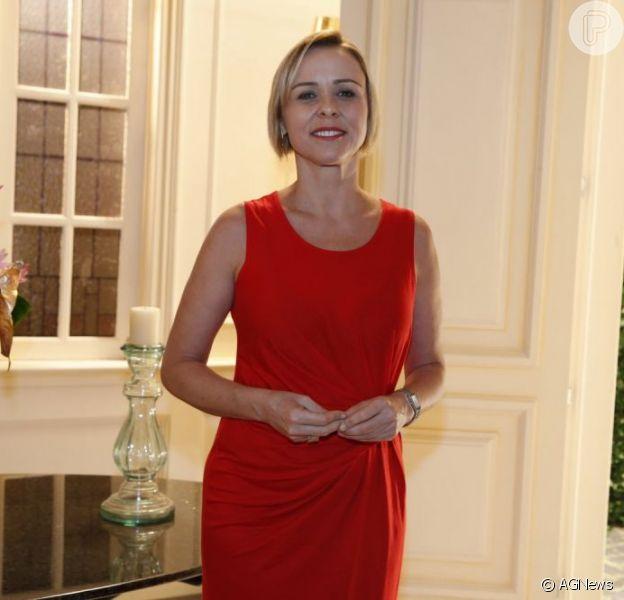 Giulia Gam será uma atriz falida que faz de tudo para estar na mira dos jornalistas em 'Sangue Bom'. Foto em 8 de abril de 2013