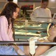 Bruna Marquezine tem motivo de sobra para festejar o convite de Manoel Carlos, já que a novela que marcou a estreia da atriz na TV foi 'Mulheres Apaixonadas', escrita por ele, em 2003