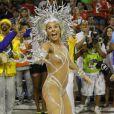 Em 2011, Adriane Galisteu apostou no macacão nude para desfilar como rainha de bateria da Unidos da Tijuca. Sem costeiro, o corpo da atriz ficou completamente à mostra