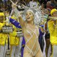 Adriane Galisteu exibiu transparência nos seios no Carnaval de 2011, quando desfilou no Sambódromo carioca como rainha de bateria da escola de samba Unidos da Tijuca